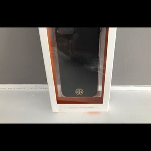 Toryburch I phone 7 hard shell case.